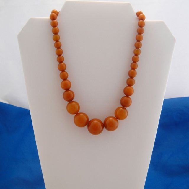 Vintage Gorgeous Butterscotch Beads Bakelite Necklace