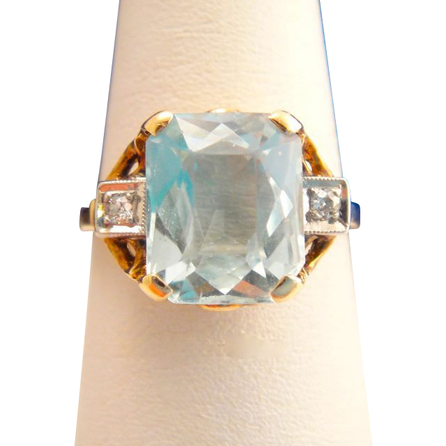 Art Deco 10k Gold Aquamarine and Diamond Ring