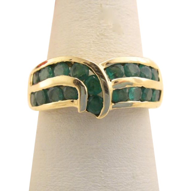Vintage 14k Gold Columbian Emerald Ring