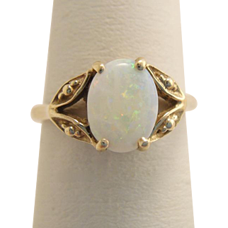 Vintage 10K Yellow Gold Genuine Opal Ring