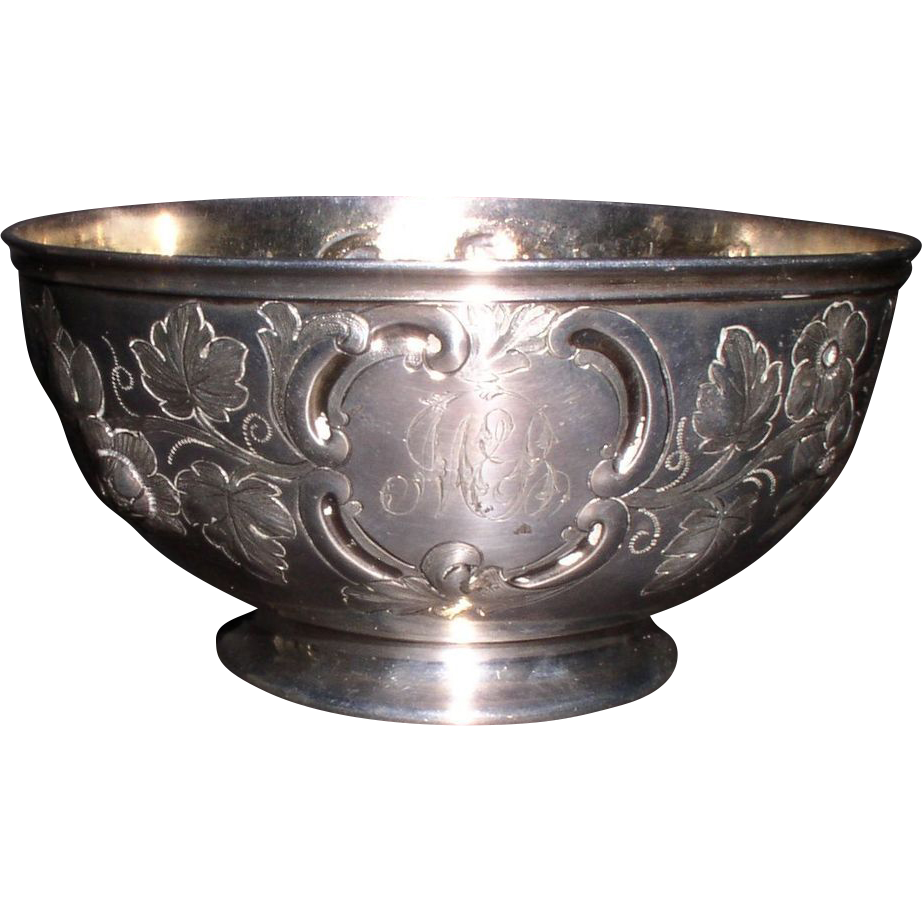 Antique English Sterling Silver 113 gm Embossed Bowl