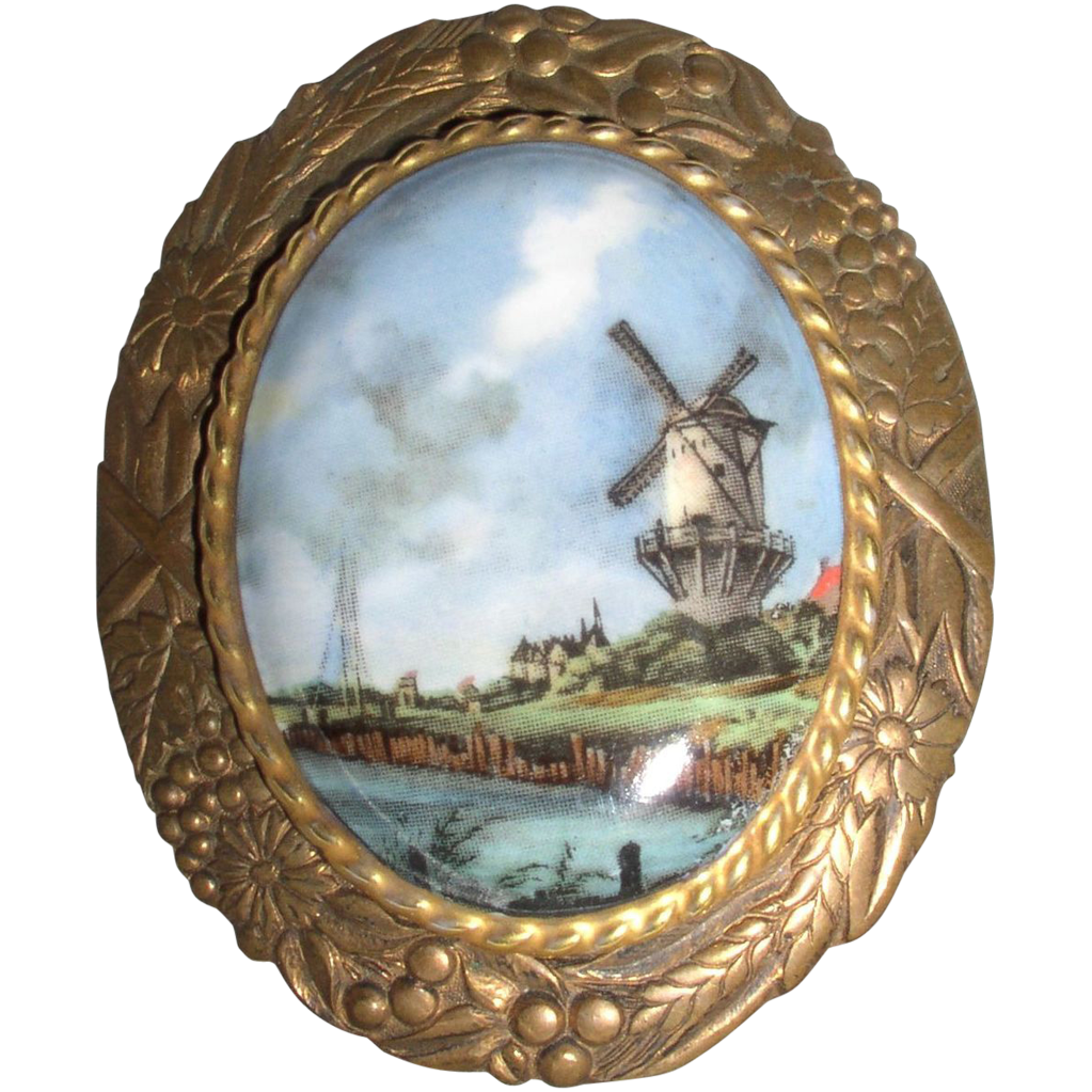 Beautiful Victorian Hand Painted Brooch/Pin