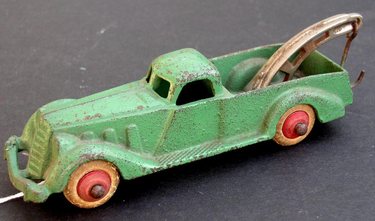 "Hubley Wrecker Truck 5-1/2"" long 1930's Pre-War Cast Iron Complete and nice!"