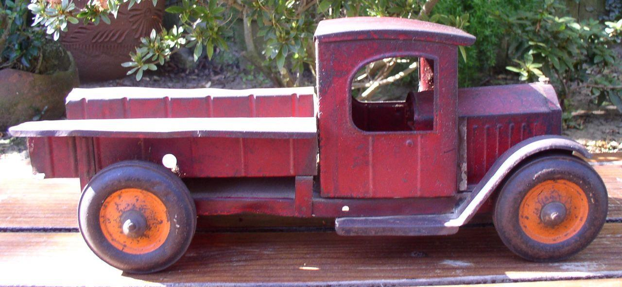 Structo 1920's Open Cab Dump Truck Levers on Sides