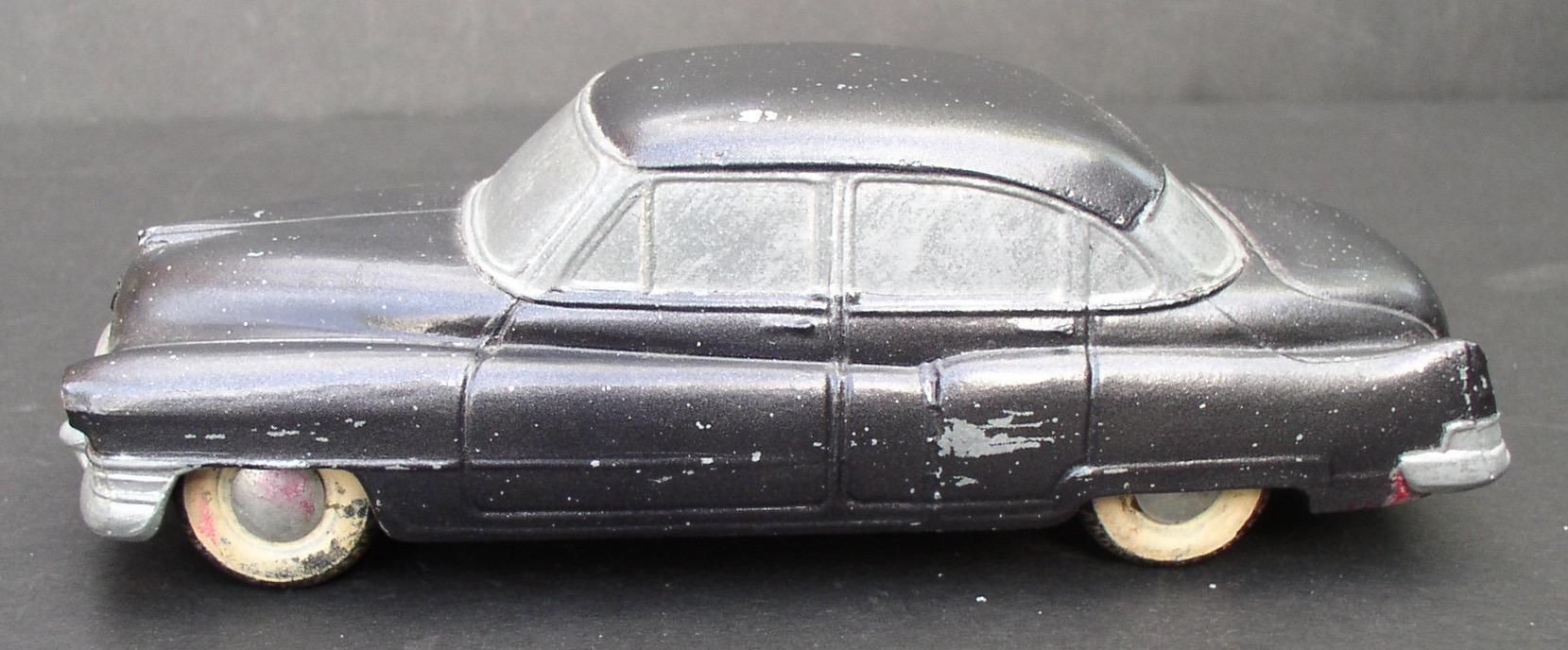1952 Cadillac Fleetwood BANTHRICO Chicago ILL  Cast Steel Promo Car Bank