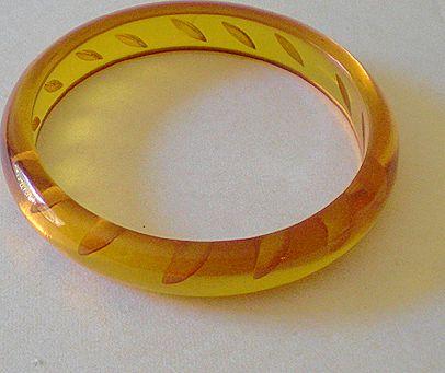 1930's Reverse Carved Applejuice Bakelite Bracelet