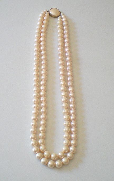 Elegant Vintage Faux Pearls Double Strand Necklace