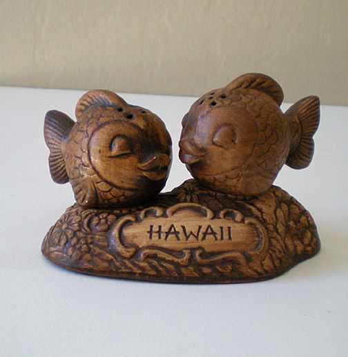 Vintage 3 Piece Treasure Craft Salt & Pepper Set Hawaii
