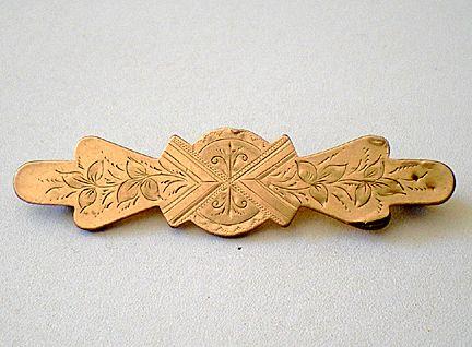 Victorian Gold Tone Bar Pin Brooch