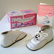 Pair of 1951 Wee Walkers Leather Baby Shoes in Box
