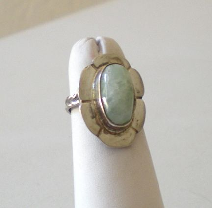 Vintage Silver & Polished Milkstone Ring Size 5&1/2