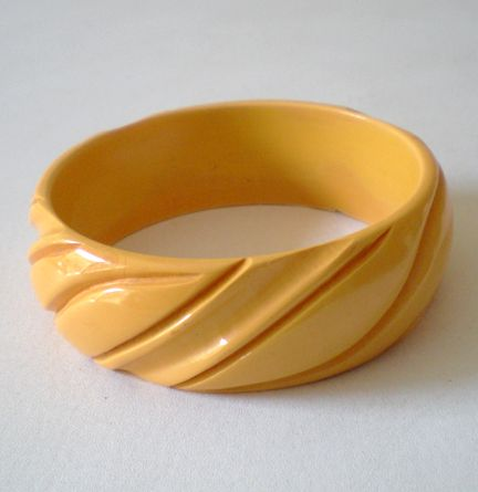 Wide Deeply Carved BAKELITE Bracelet 1""