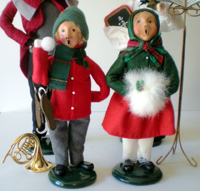 4 Byers Choice Christmas Figurines The Carolers From