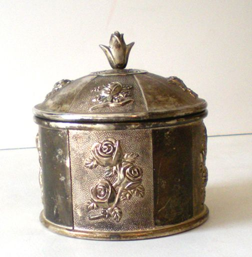 Heavy Lidded Vanity Box With Roses