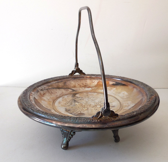 Lovely Silverplate Serving Dish With Handle
