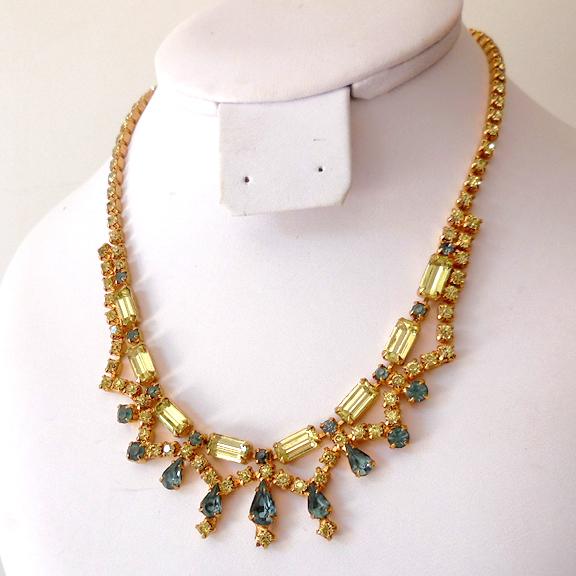 Elegant Vintage Blue & Clear Rhinestones Necklace