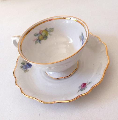 schumann arzberg bavaria germany tea cup saucer california girls ruby lane. Black Bedroom Furniture Sets. Home Design Ideas