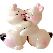 Vintage Van Tellingen White Bunny Hugs Salt & Pepper Set