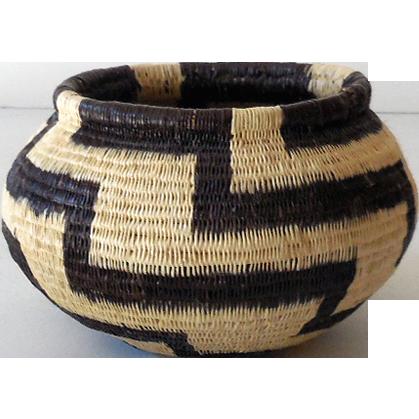 Vintage Hand Woven Basket Panama Indian Wounaan Tribe