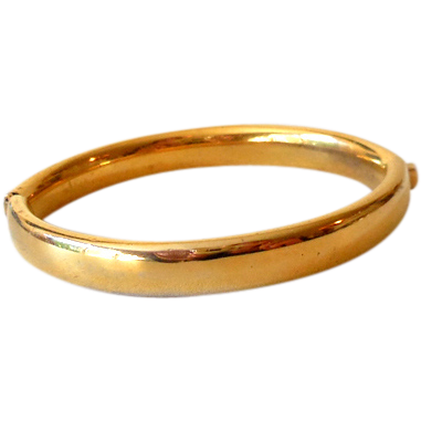Vintage Signed Trifari Hinged Gold Tone Bangle Bracelet