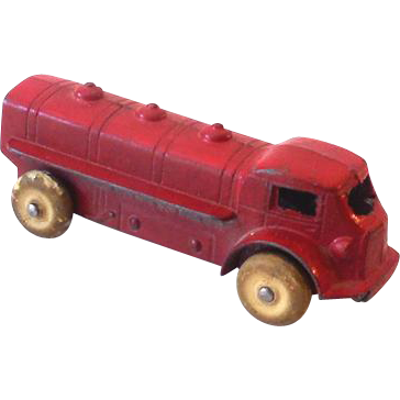 Small 1930s TootsieToy Gasoline Oil Tanker Truck