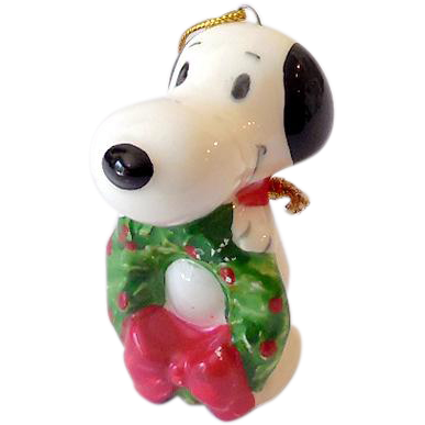 Vintage Peanuts Gang Ceramic Ornament Snoopy With Christmas Wreath