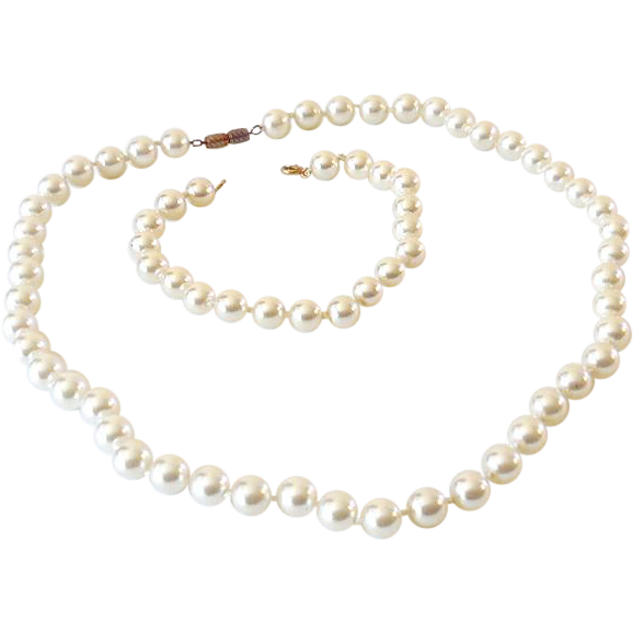 Vintage Faux Pearls Necklace and Bracelet Set