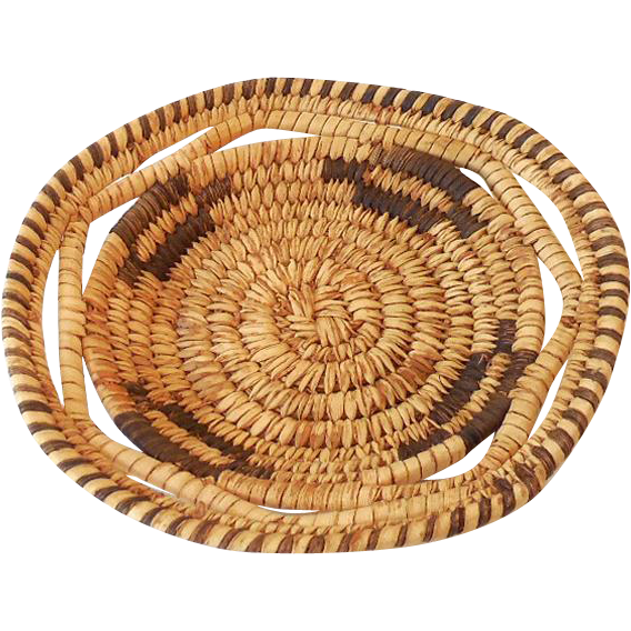 Small Vintage Hand Woven Papago Native American Basket Tray