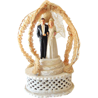 Fancy Vintage Wedding Cake Topper Chalkware Bride & Groom 1947 M