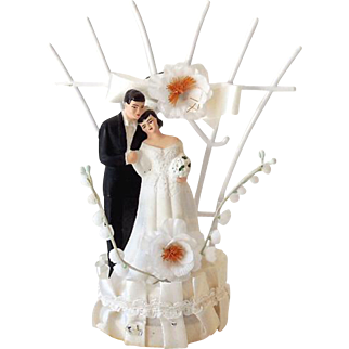 Ornate 1950s Chalkware Wedding Cake Top Bride and Groom