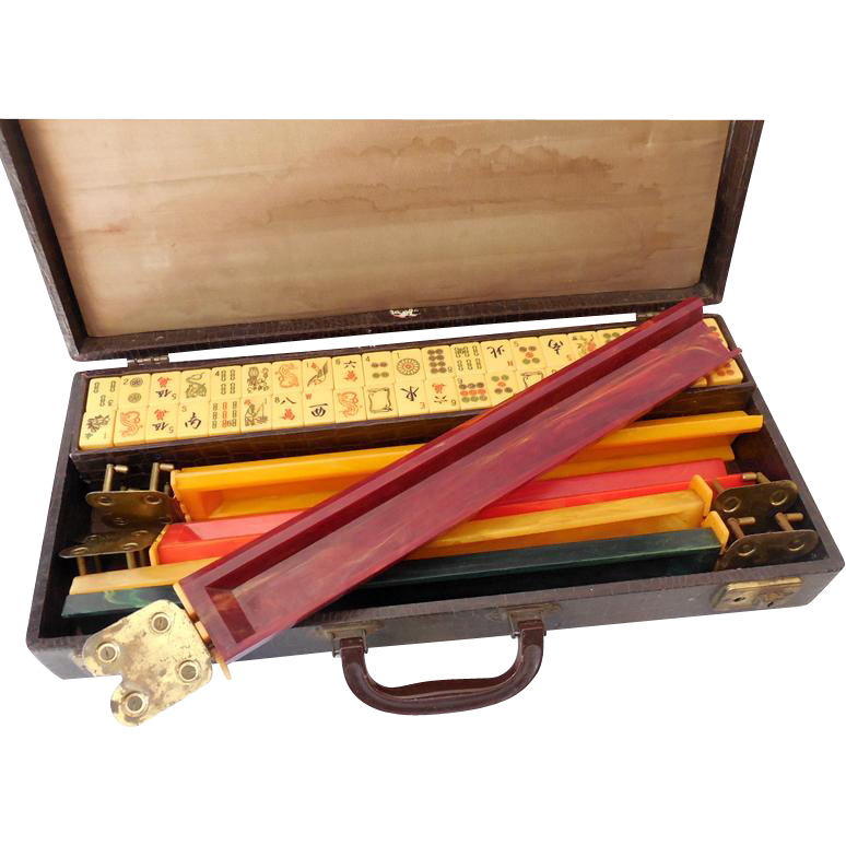 Gorgeous All Original Complete 1930s Bakelite Mah Jong Set in Case