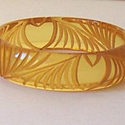 Deeply Carved Bakelite Applejuice Bracelet Original 1930's