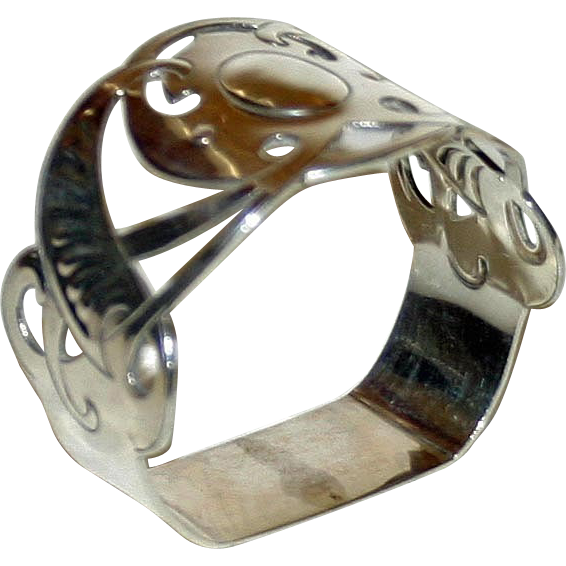 1904 Hallmarked Sterling Silver Arts & Crafts Napkin Ring, Reticulated