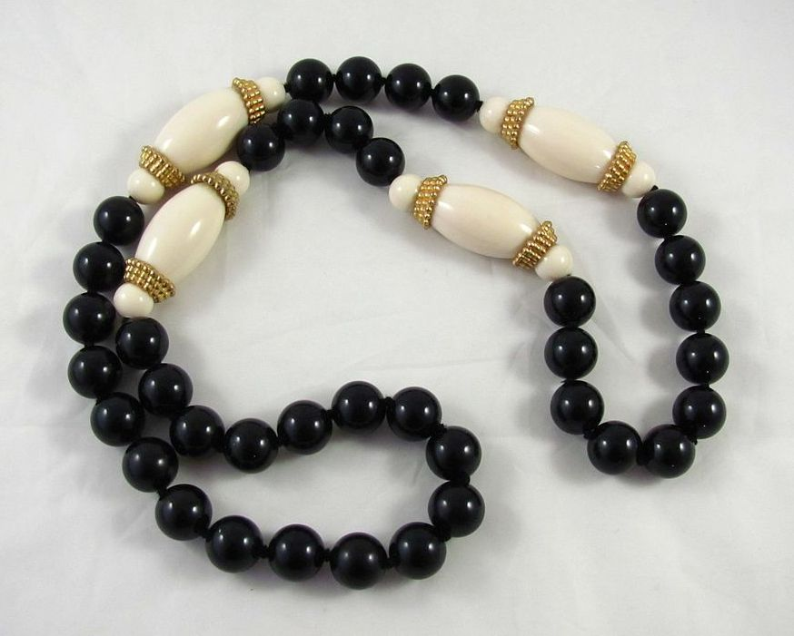 Bold Vintage Black and Cream Beads Necklace