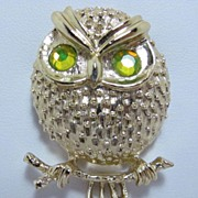 Very Pretty Sarah Cov Owl on Brooch Pin Signed