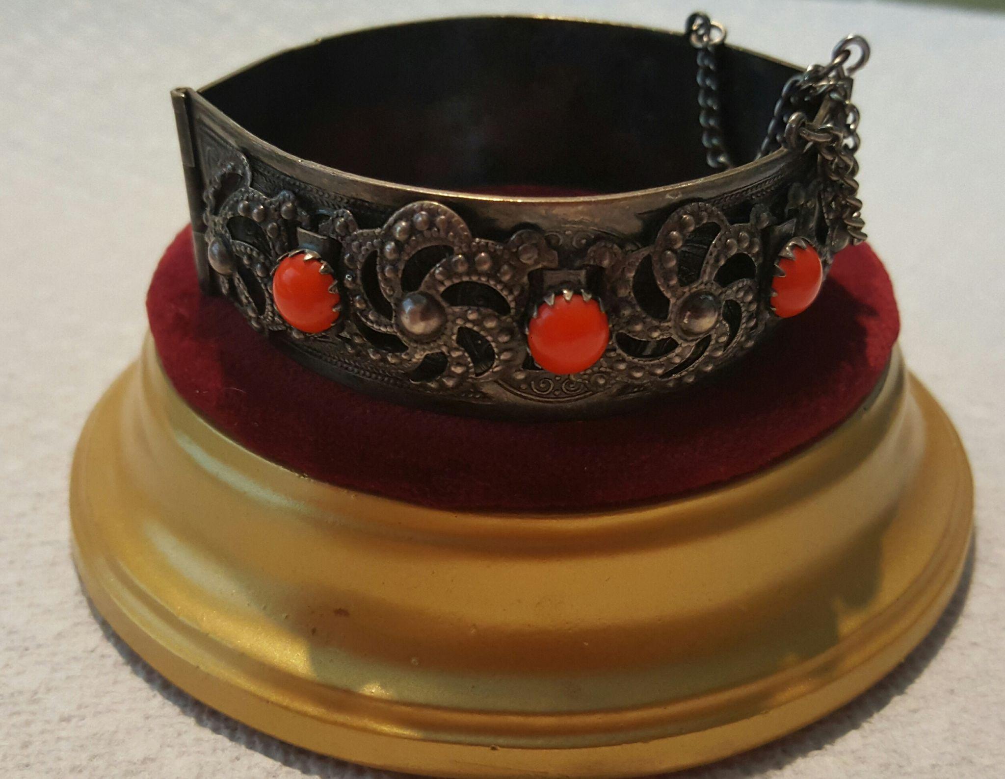 Ornate North African Kabyle Hinged Bangle Bracelet