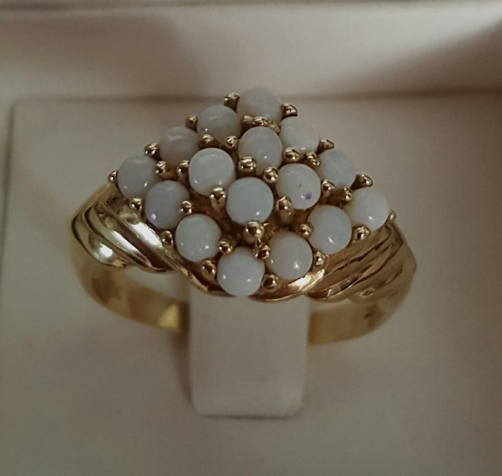 10K Yellow Gold White Opal Cabochon Ring - Size 7