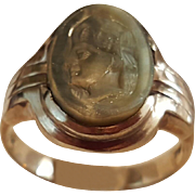 Splendid 10K Yellow Gold Carved Oyster Shell Cameo Ring - Size 9