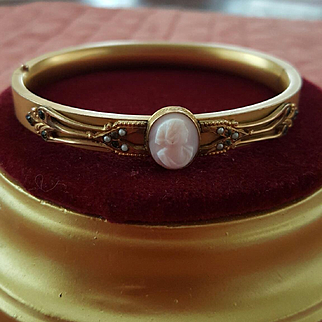 Edwardian Pink Shell Cameo Rolled Gold Hinged Bangle Bracelet  Seed Pearls Peridot & Amethyst