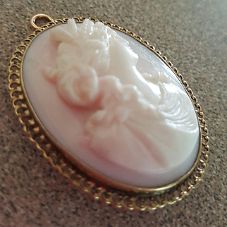 Elegant 14K Queen Conch Shell Cameo Goddess Ceres Demeter Brooch Pendant 10.3 grams