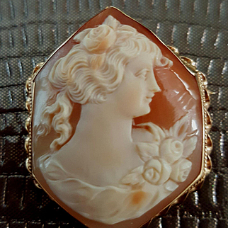 Art Deco 14K Yellow Gold Hexagon Shell Cameo Brooch Pendant