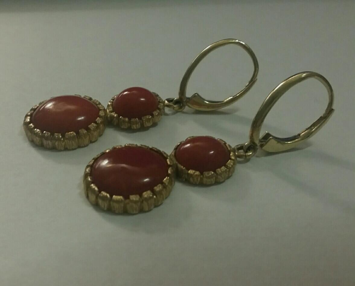 Vintage Chic 18K Gold Double Oxblood Red Coral Cabochon Drop Earrings 10.3 grams