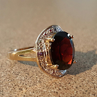 Superb 10K Yellow & White Gold 4ct Garnet Ring