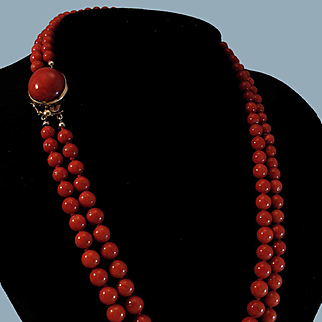 Gorgeous Sardinian Red Coral Bead Necklace 18K Cabochon Clasp