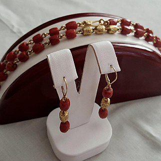 Me & Ro 22K Oxblood Red Coral & Gold Bead Link Necklace and Earrings 39.2 grams
