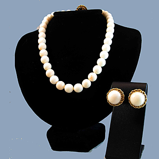 Suite Perfection 14K White Angel Skin Coral Bead Necklace & 14K Cabochon Earrings