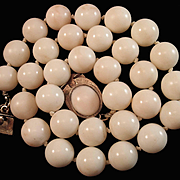 Precious 1960's 14K  Angel Skin Coral 11-11.3mm Bead Necklace w/ Cabochon Clasp