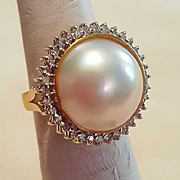 Vintage Chic 14K Large 15.8mm Mabe Pearl & Diamond Ring - 7.3 grams