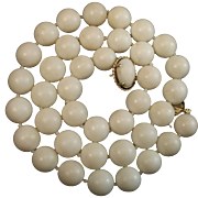 1960's 14K YG White Angel Skin Coral 12-12.6mm Bead Necklace 108.7 grams