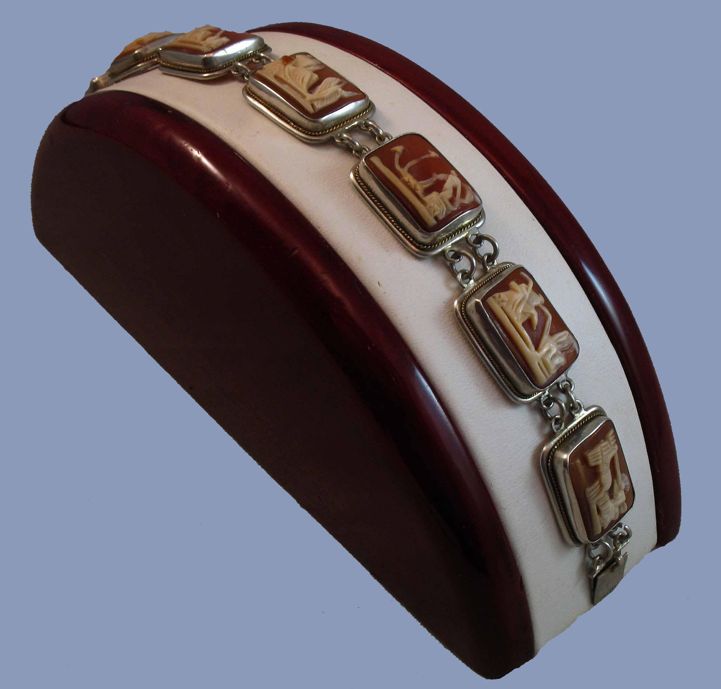 Lovely Carnelian Seven Days of the Week Shell Cameo Bracelet 800 Silver